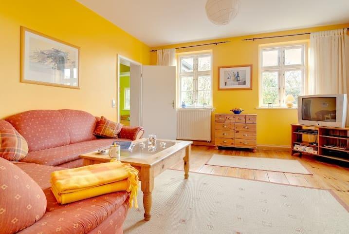 The BirdhouseGobbin - 120 years old - Lancken-Granitz - Apartamento