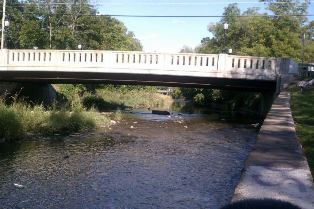 Plain Street Bridge over Six Mile Creek