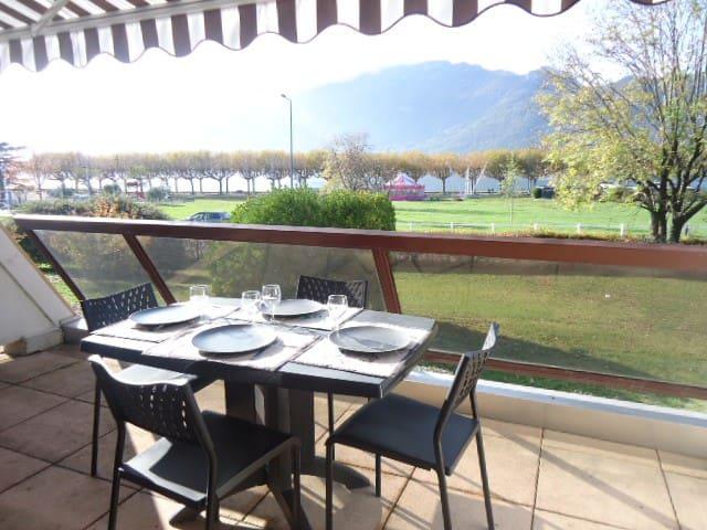 T2 bord du lac avec vue, près des promenades