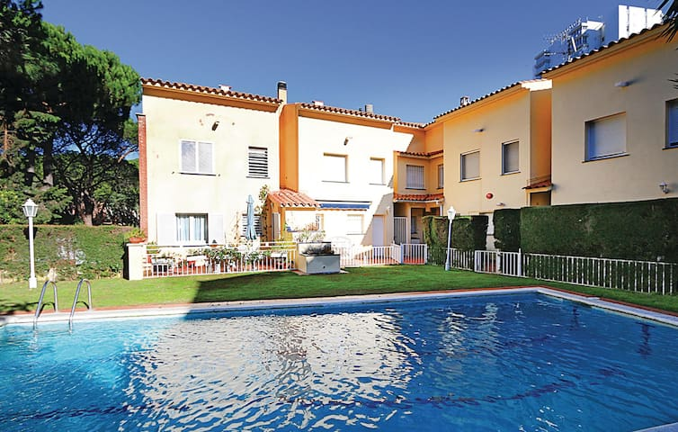 Terraced house with 3 bedrooms on 80m² in Platja d'Aro