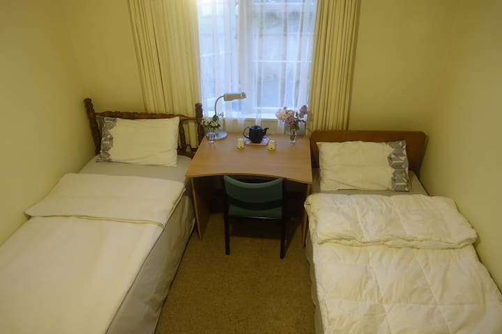 Quiet private room in Whanganui, with free wifi