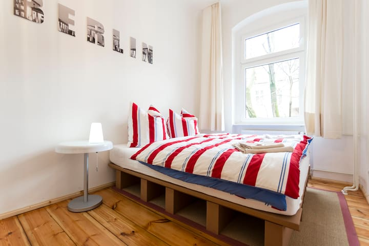 clean calm and cosy Mitte-Apartment
