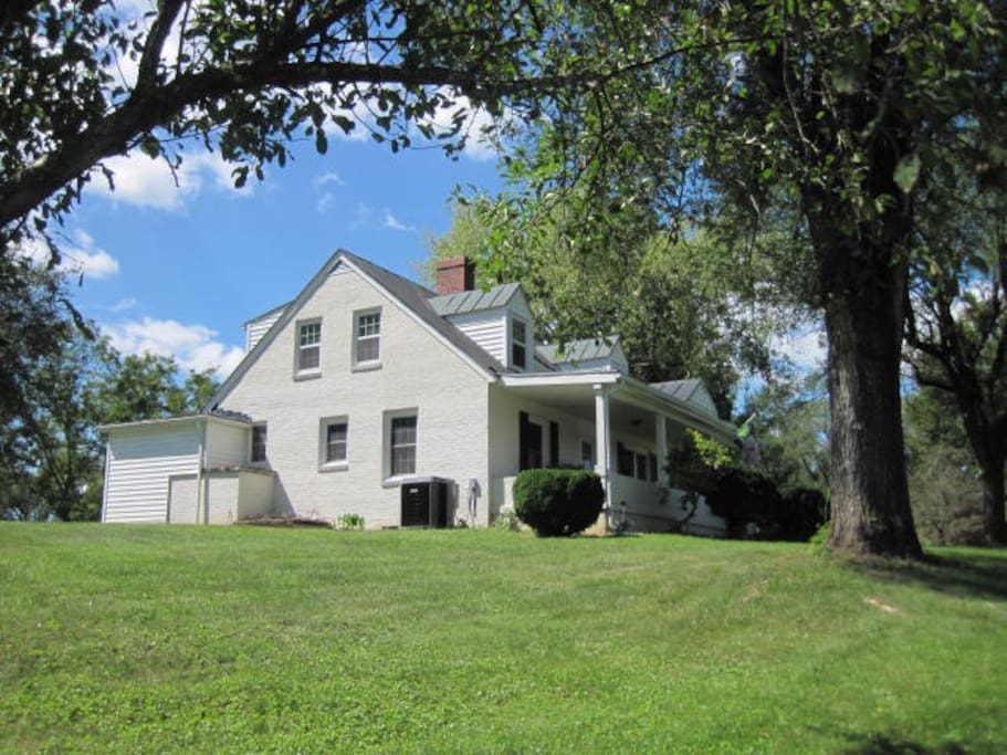 Carol 39 s cottage near vhc w l vmi cottages for rent in for Cabin rentals near lexington va