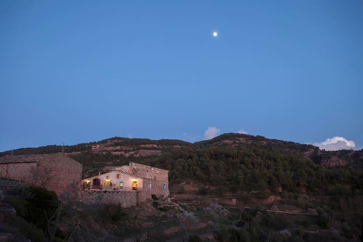 Habitación en naturaleza mirando a Montserrat - Rellinars - Gästhus