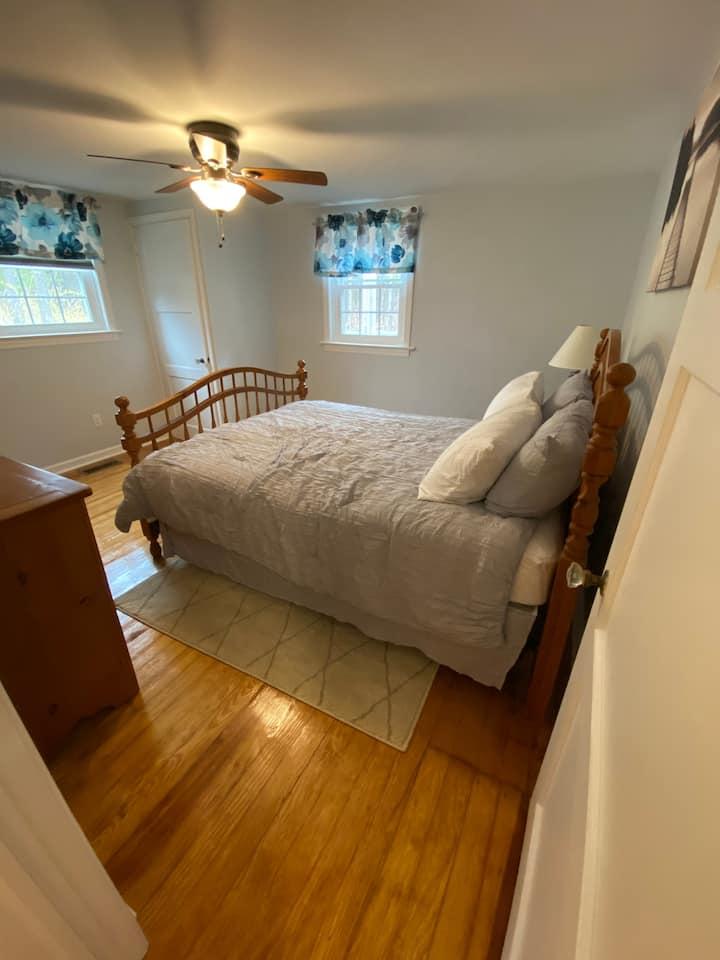 Cozy Two Bedroom Woodstock Getaway