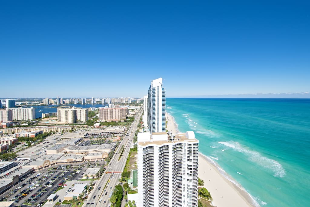 sunny isles beach la perla luxury penthouse apartments for rent in sunny isles beach. Black Bedroom Furniture Sets. Home Design Ideas