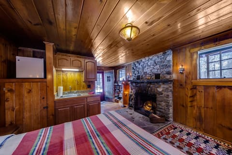 Isolated Knotty Pine Charming Cabin w/Stone