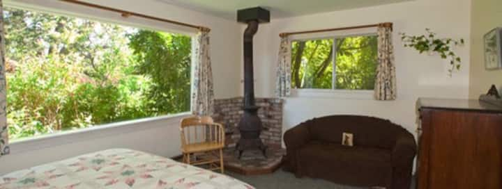 Berry Patch Cottage - Point Reyes