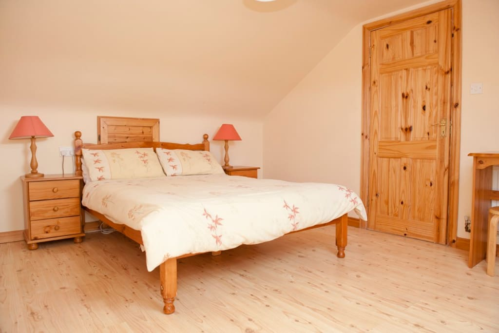 One of the double bedrooms in the Old Farmhouse.