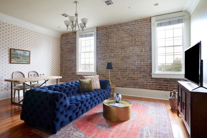 Sonder | Irish Channel Lofts | Charming 1BR