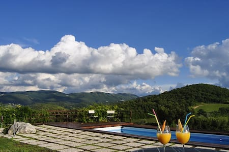 4 Appartamento di campagna con giardino e piscina - Spoleto
