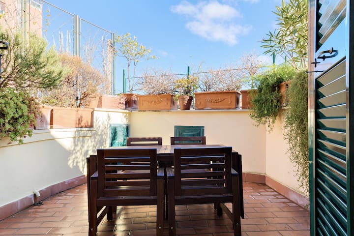 Ponziano Terrace in Trastevere! 1BDR - 2PAX
