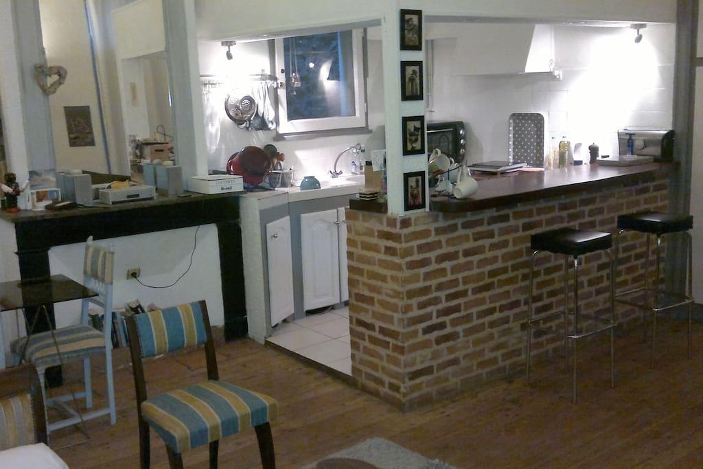 appart calme au coeur de la cit appartements louer montauban midi pyr n es france. Black Bedroom Furniture Sets. Home Design Ideas