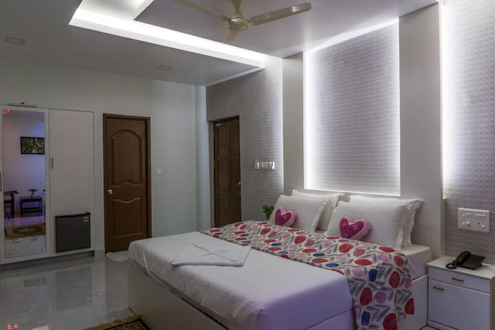 Private room by Athirapally waterfalls