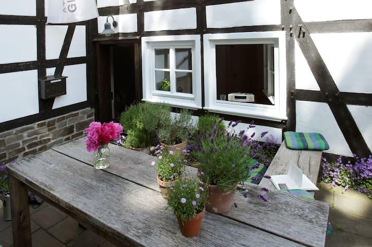 k nstler und museumsdorf barendorf wohnungen zur miete in iserlohn nordrhein westfalen. Black Bedroom Furniture Sets. Home Design Ideas