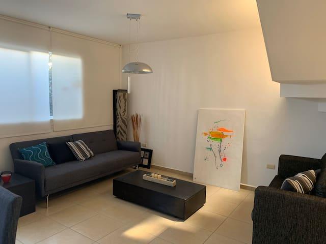 Cómoda casa en privada, ideal descanso o trabajo