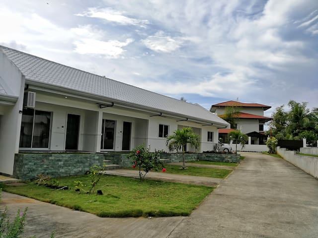 Vacation House w/ 1 BR for 4 Persons - Near Alona