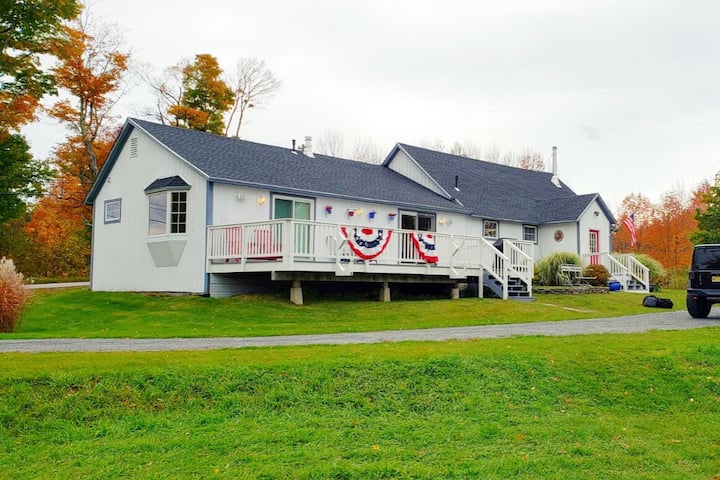 Spacious Ranch within 10 min of Mt. Snow