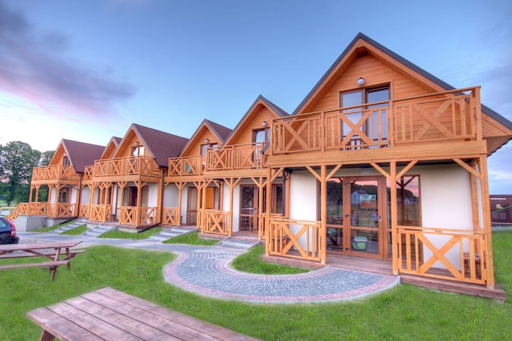 Holiday home located near the sea; ideal for relaxing with family.
