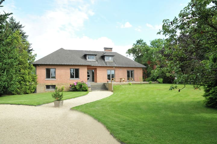 Spacious and comfortable holiday home set in the green surroundings of Marloie