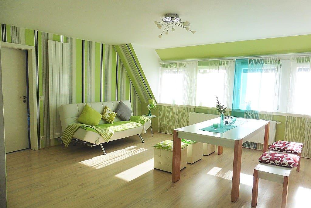 relaxing moderne komplette wohnung wohnungen zur miete in friedberg bayern deutschland. Black Bedroom Furniture Sets. Home Design Ideas