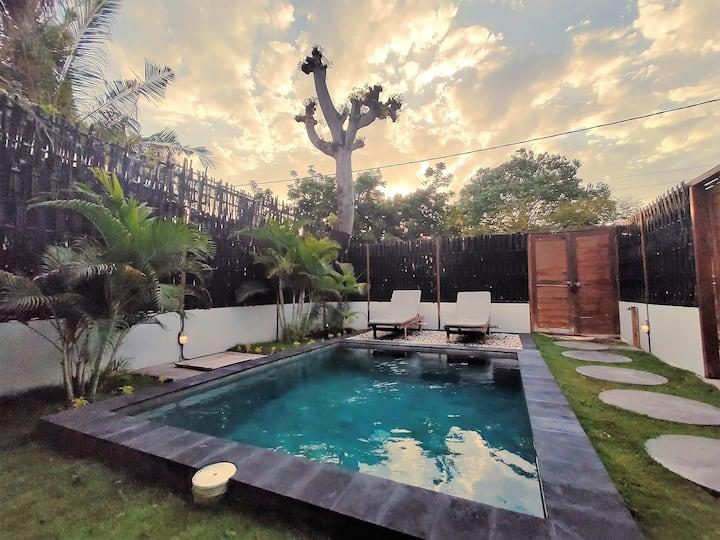 Designer 2 BR Villa w/ Private Pool ( Gili Air )
