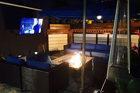 Guest House w/firepit theater