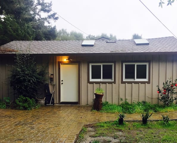 Quiet Cottage in Silicon Valley - Woodside
