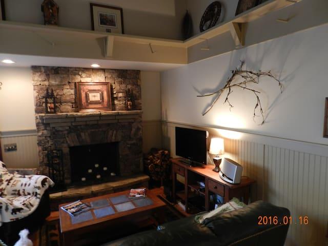 Mountain Craftsman Cabin Getaway - Jasper - Huis