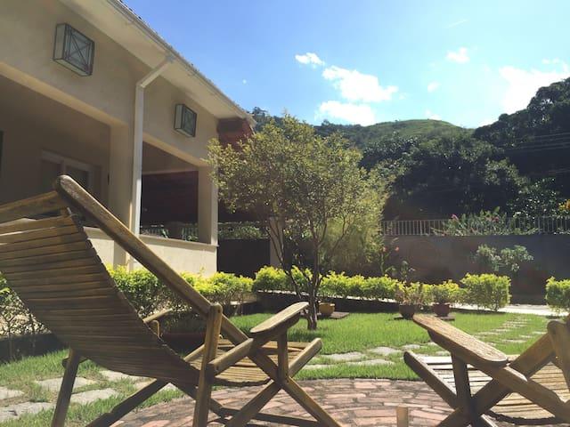 Casa prática e muito confortável - Guapimirim - House
