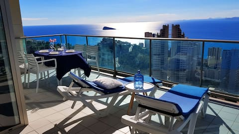 2-bedroom apartment with sea views - 29th floor