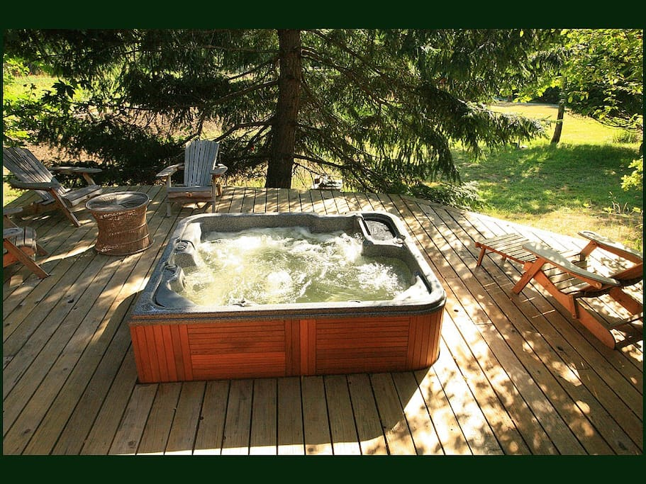 Further shot of the Captain's Quarters private Guest Hottub sunken into the front deck