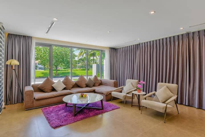 Big Luxury Villa Beach View