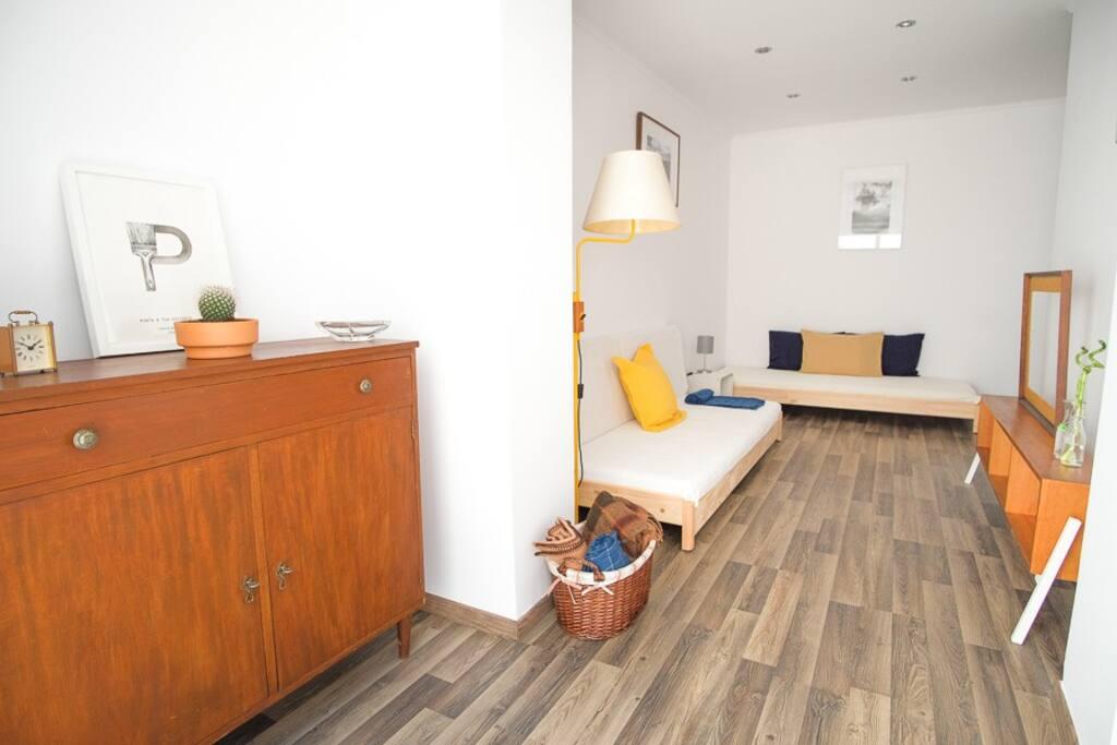 Room 2, Living Room Mode