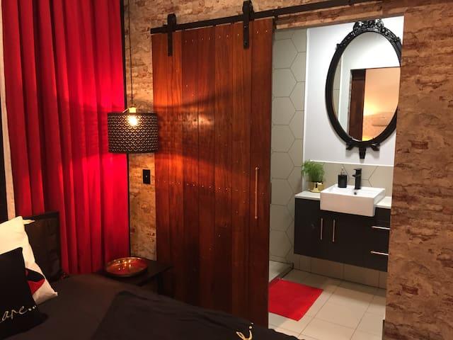 New*Amazing Private Luxury Studio 15min APT &City