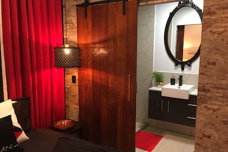 New*Amazing Private Luxury Studio 15min APT &City