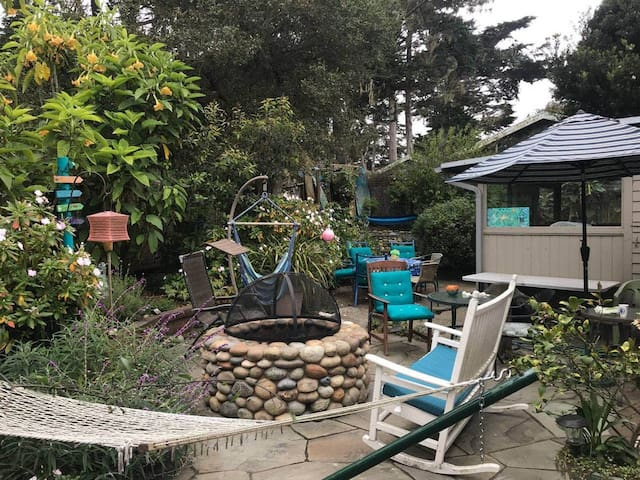 Pet friendly Forest and Sea Cottage Lic.#0358