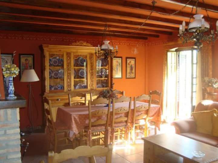 Casa Carmen, una casa con vistas en El Burgo