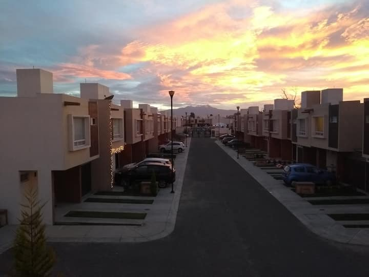 Linda casa Toluca-Aeropuerto-FEMEXFUT-Foro Pegaso