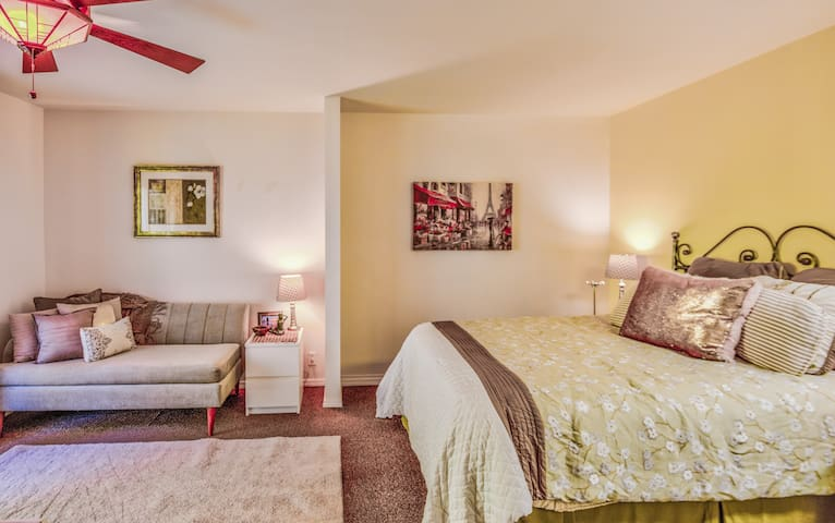 Maples on the Dunes: The Cherry Maple Room #1
