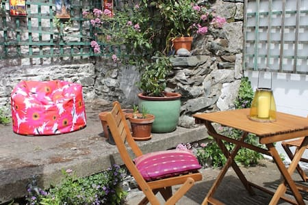 Cosy cottage close to beach & harbour - Skerries - Zomerhuis/Cottage