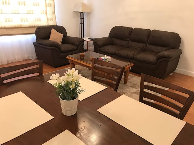 Cozy 2 Bedroom Apartment in the Heart of Adliya