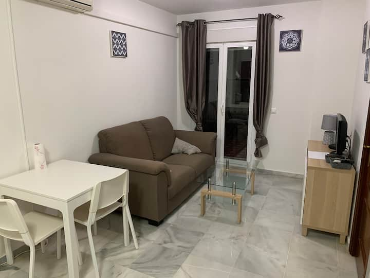 10 Min walking from Gibraltar - Fully equipped