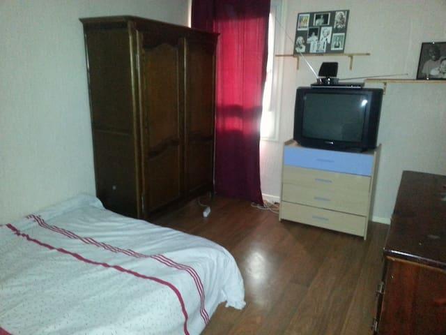 chambre spacieuse et éclairée calme et agréable - Toulouse - Wohnung