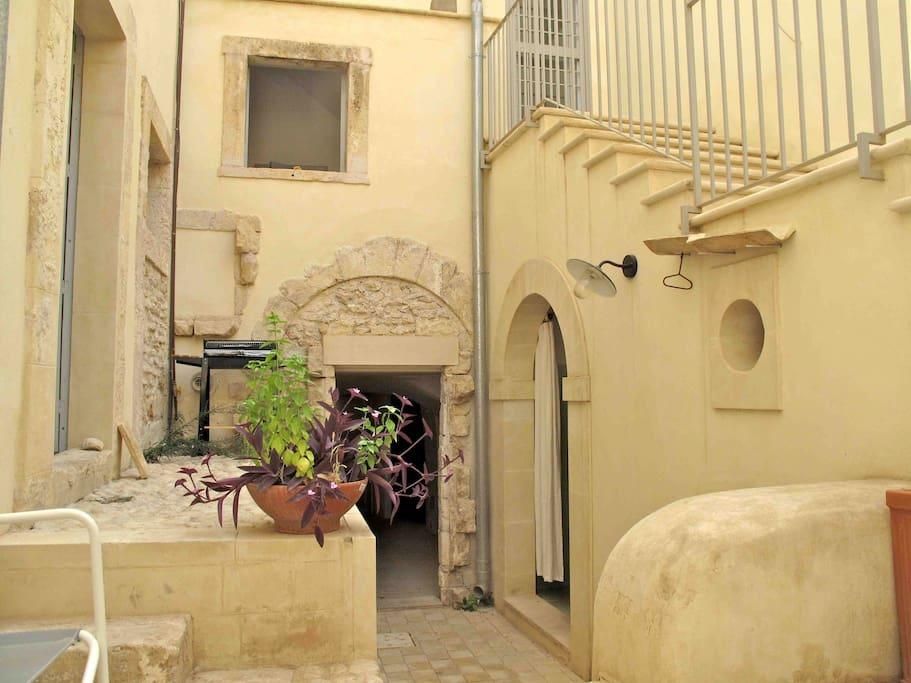 La corte | The courtyard