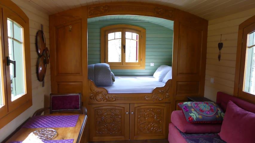 lit double en alcove