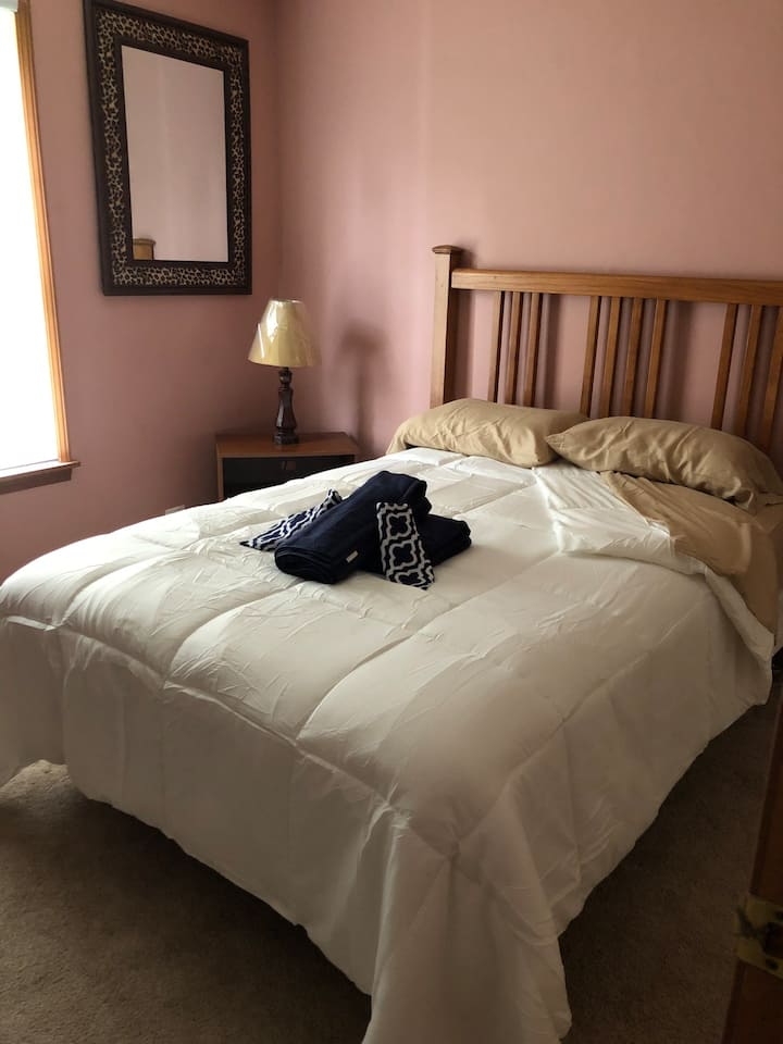 Private room #2, comfy bed and private key