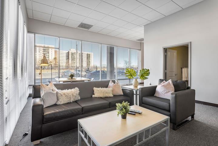 Modern 4BDR St Louis Apartments