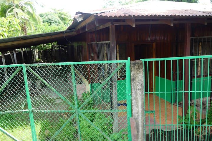 Lit simple en chambre privée dispo Puerto Jiménez - Puerto Jiménez