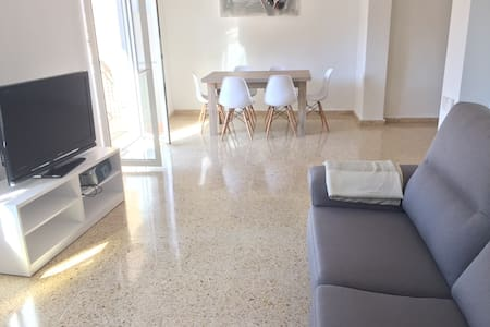 Spacious flat direct metro to VLC - Moncada - Apartamento